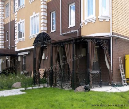 Уличные шторы в танхаус